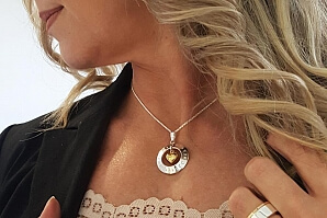 Halsband guldhjärta