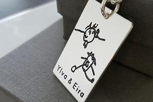 Smycke med egen bild Ylva och Eira