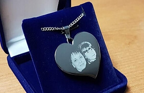 Romantiskt smycke med fotografi