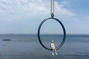 Halsband sjö