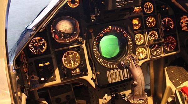 Stridsflygsimulator förarplats