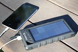 Powerbank solceller ladda mobilen