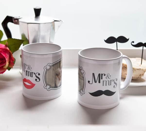 Kärleksmuggar till bröllopsparet