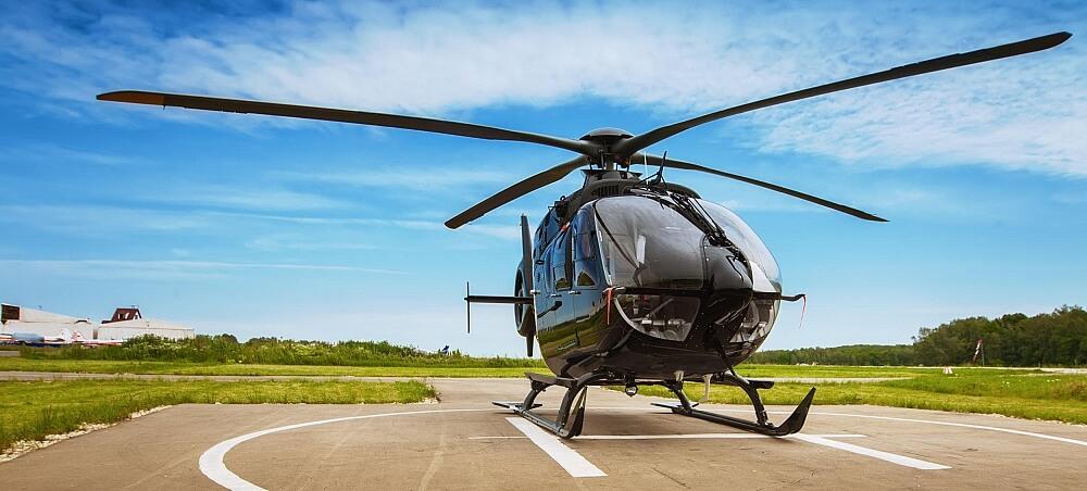 Helikopter på startplattan