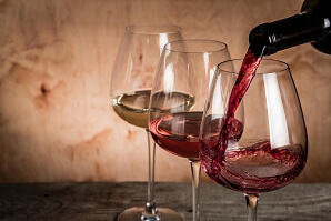 Vinprovning tre glas